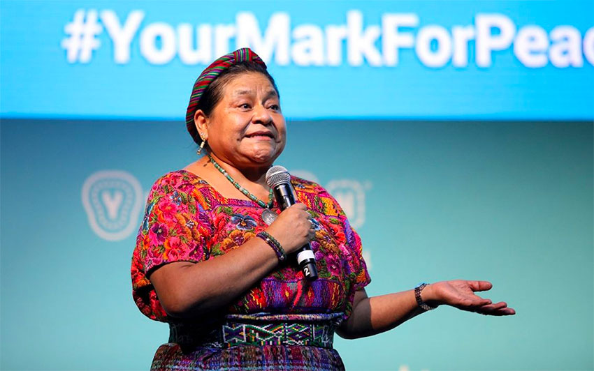 Peace Prize winner Rigoberta Menchú of Guatemala speaks at the Mérida summit.