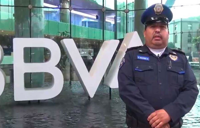 Officer Quijano found US $1,600 in cash and turned it in.