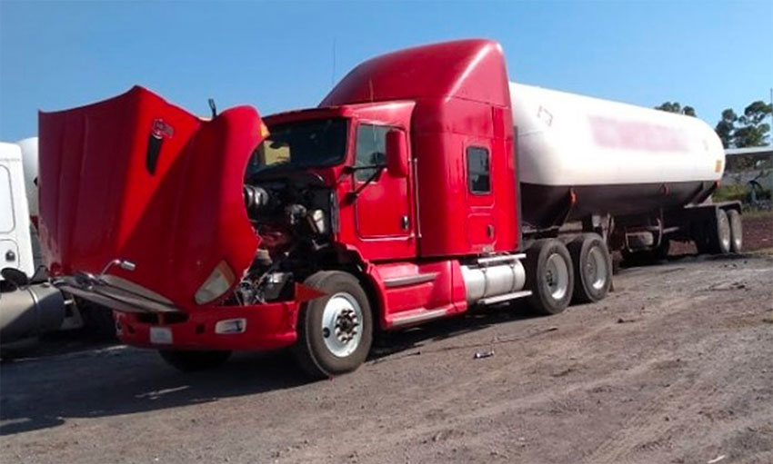 One of 42 tanker truck seized in México state.