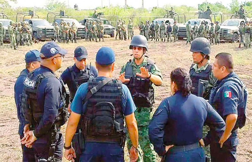 Security forces in Tepacaltepec, Michoacán.