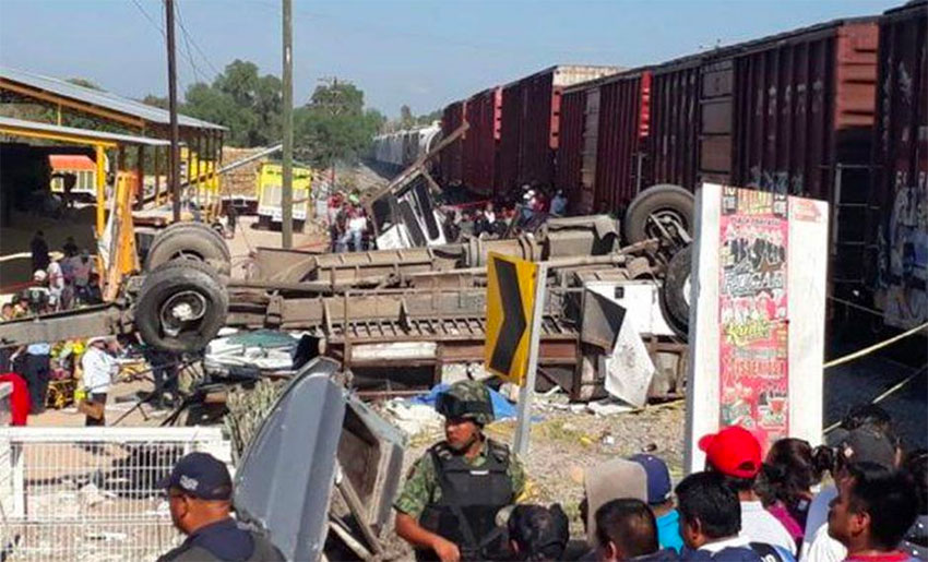 The accident scene Friday morning in San Juan del Río.