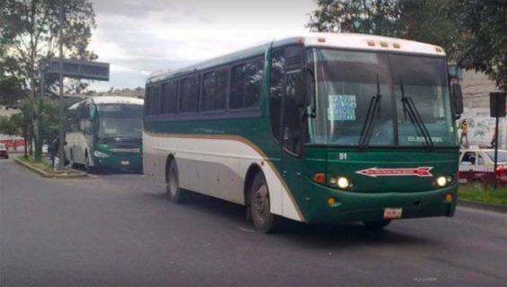Flecha Roja buses were pressed into service by students this week.