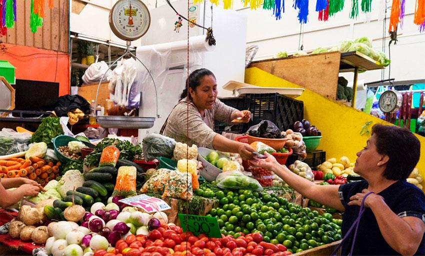 mexico market vendor