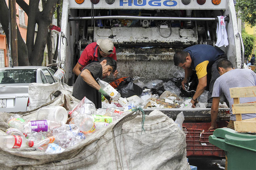 Garbage is sorted in Mexico City.