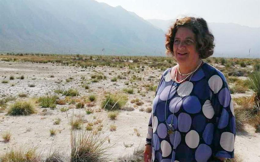 Valeria Souza at Cuatro Ciénegas in Coahuila.