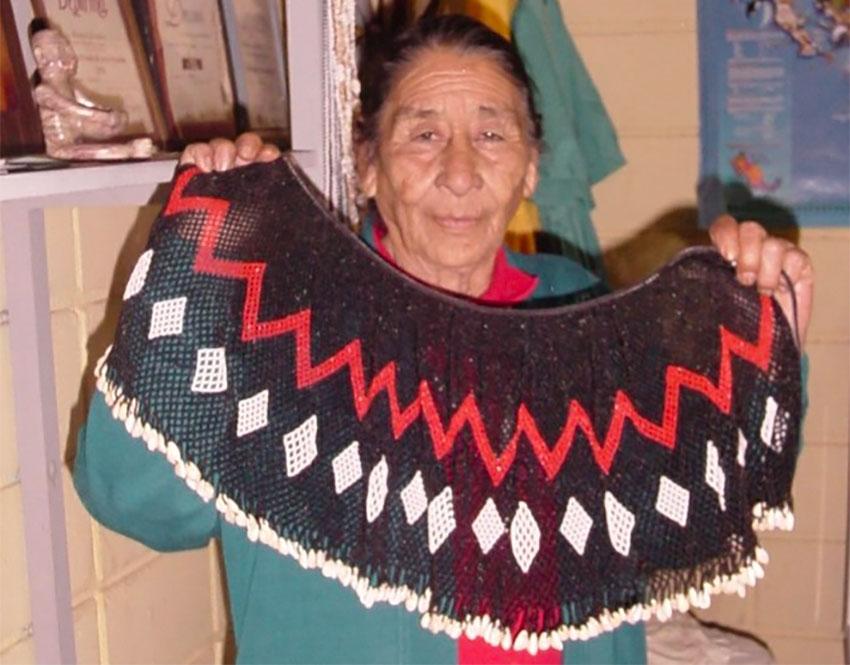 Artisan González with a Cocopah collar yoke.