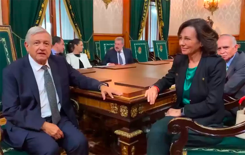 Santander's Ana Botín with President López Obrador at the National Palace.