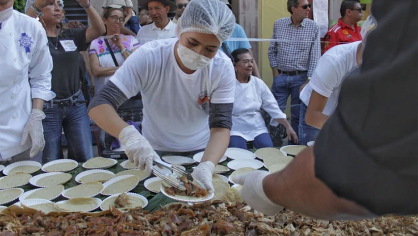 After it was measured, the taco was served to 15,000 spectators.