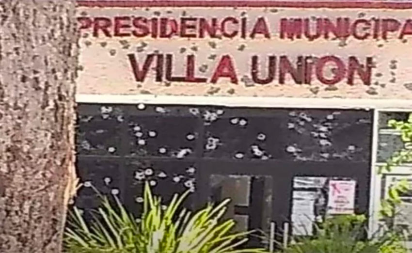 Gangsters left their mark on Villa Unión's municipal offices.