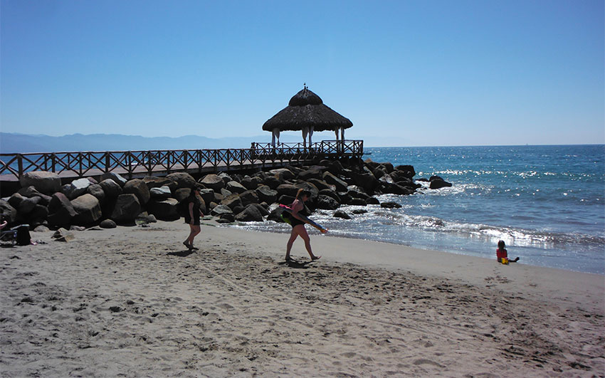 Playa de Oro in Puerto Vallarta is one of the 270 clean beaches.