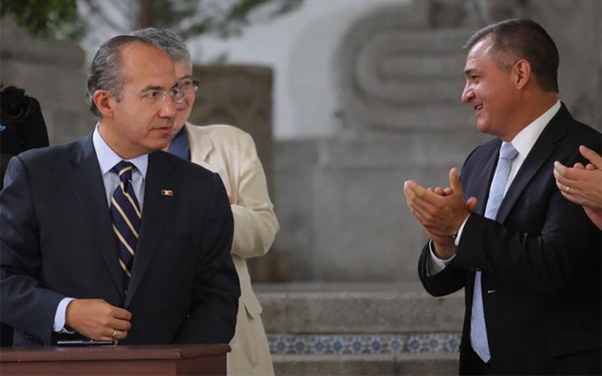 Calderón, left, and García in a photo taken during the former's presidency.