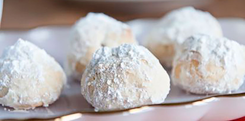 These Wedding Cookies can also be made with a chocolate version.
