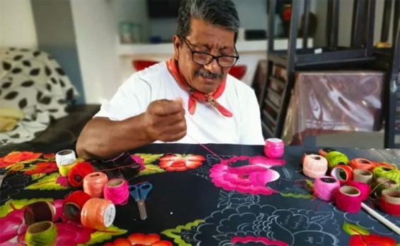 Rubén Ramírez at work.