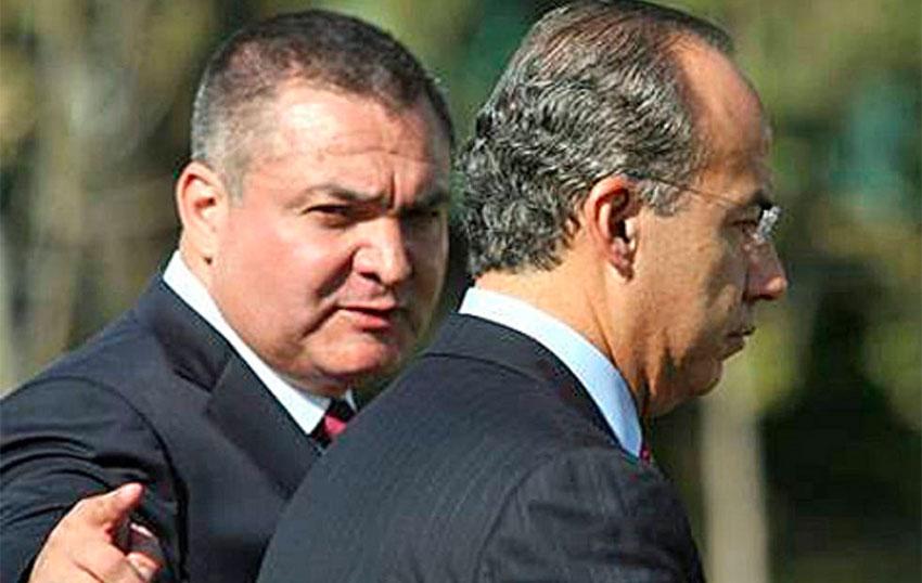 Calderón, right, was aware of accusations against García, says ex-cop.