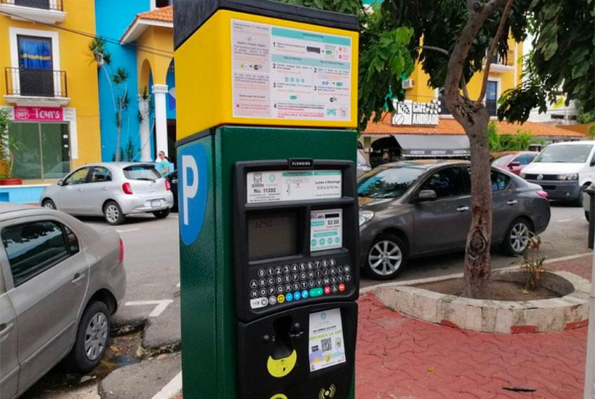 Not everyone like's Playa's new parking meters.