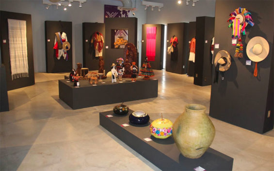 The Chiapas Artisans' Museum has 500 pieces on display.