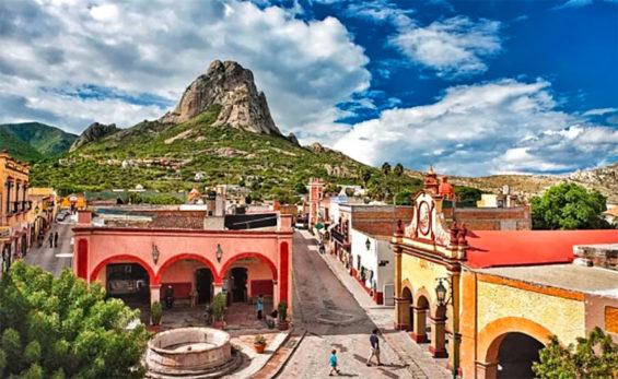 The monolith Peña de Bernal forms a backdrop to the Magical Town of San Sebastián Bernal.
