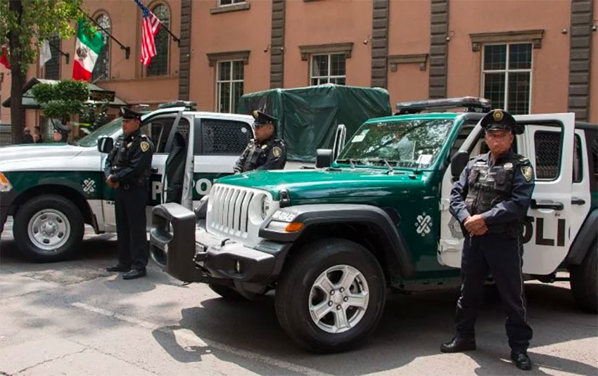 Mexico City police vehicles: colorful but uncoordinated.