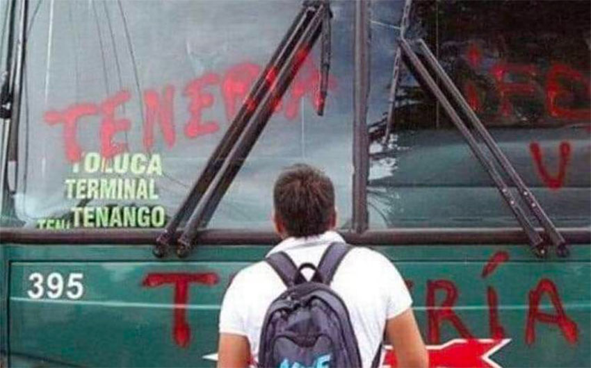 Students help themselves to buses in México state.