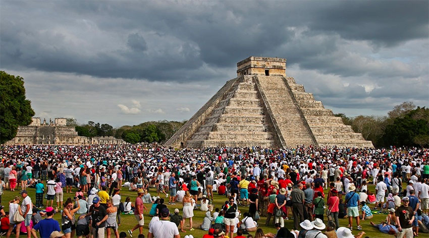 Chichén Itzá: 18,000 visitors in one day.