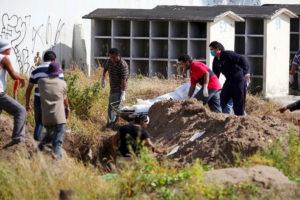 Looking for bodies in a hidden grave in Jalisco.