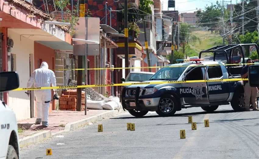 Investigators at a crime scene in Apaseo El Grande, Guanajuato. The state led the country in homicides in 2019.