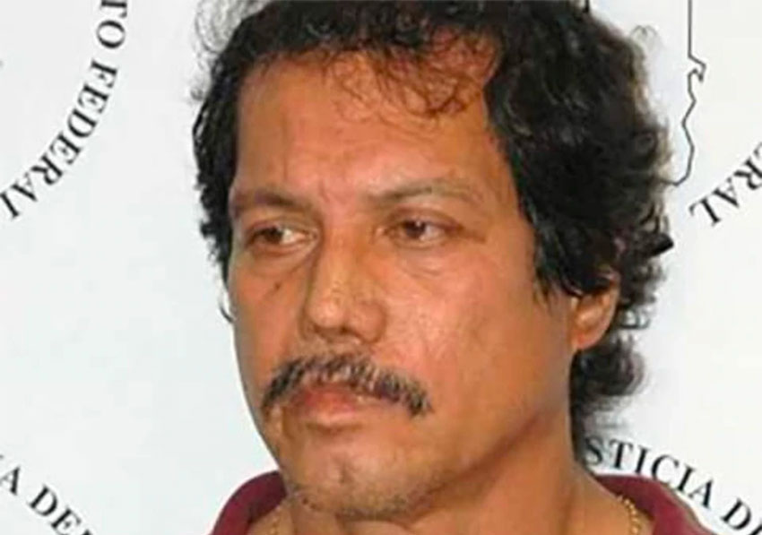 Ríos was a police officer when he is believed to have robbed his first bank.