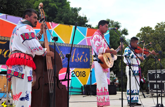 Trio Huichol play at the 2018 event.