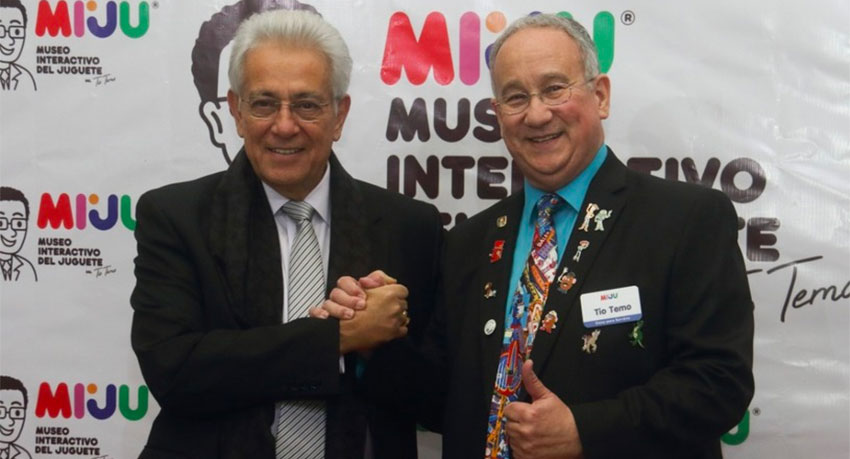 García, left, helped Tío Temo (Uncle Temo) fulfill a 25-year dream.