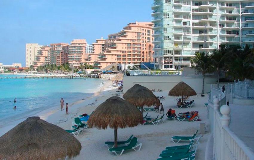 Cancún is 'overexploited,' says Fonatur chief.