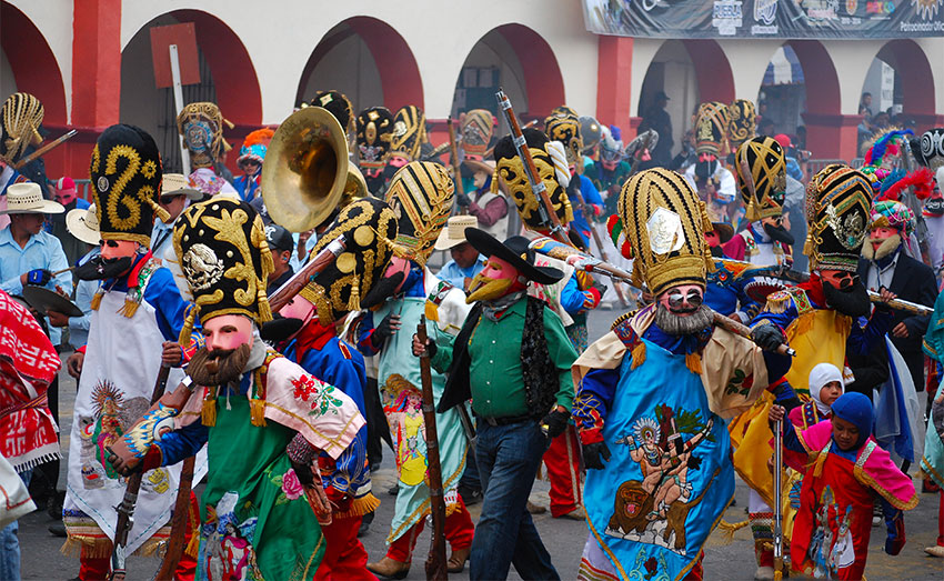 Huejotzingo turns into a battleground during carnival.
