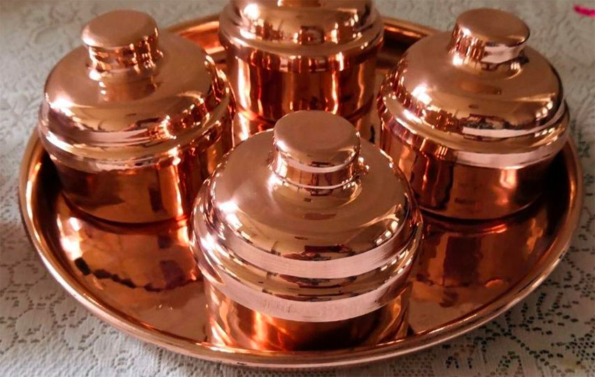 Copper goods from Michoacán among products at Mexico City fair.