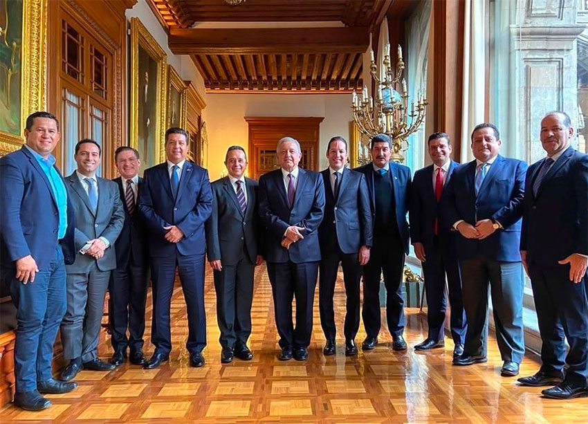 National Action Party governors and the president agreed on a group photo but little more.