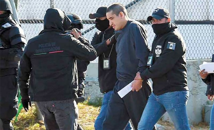 Police nab El Lunares—again.