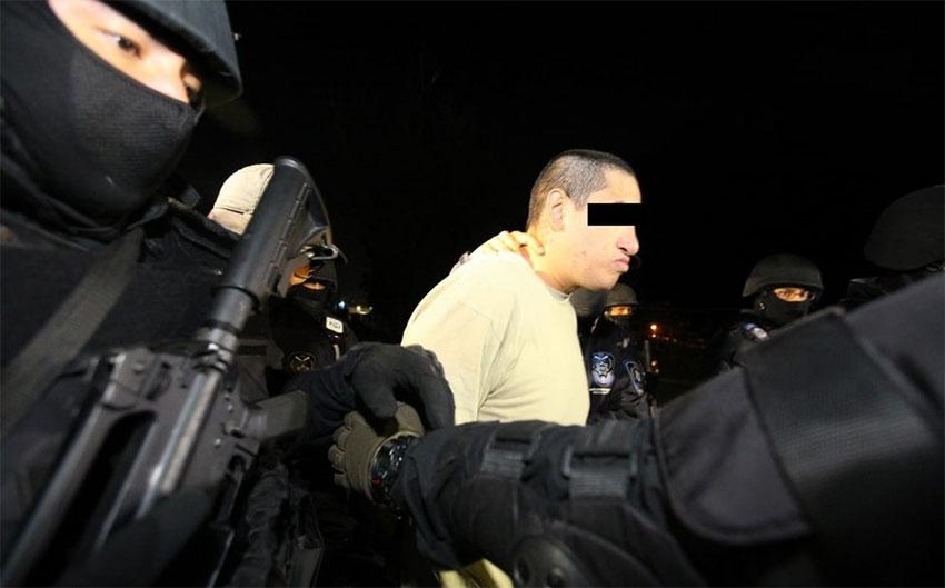 El Lunares: released and arrested yet again.