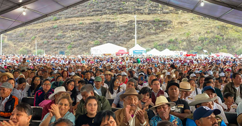 The president's audience in Milpa Alta on Sunday.