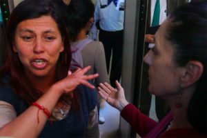 The victim's mother and Mayor Sheinbaum.