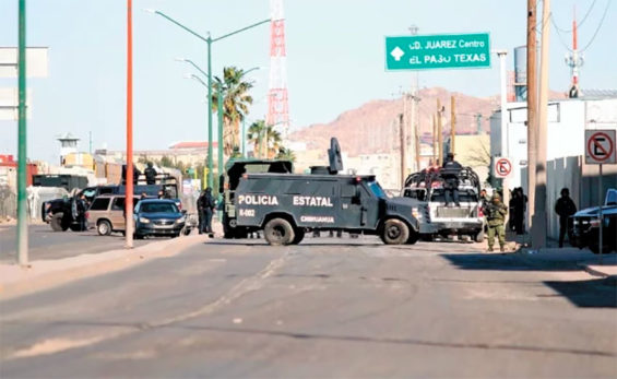 A police roadblock in Chihuahua on the weekend.