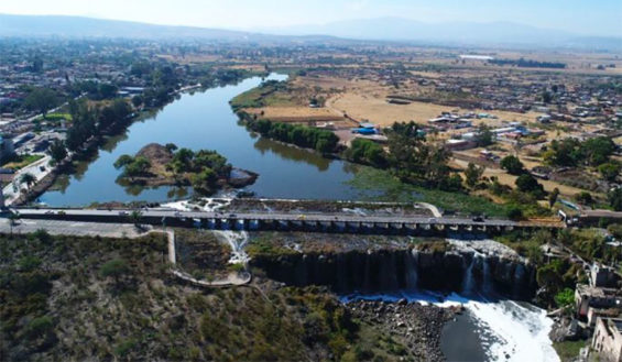 Cleaning up the Santiago River has begun, governor says.