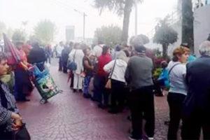 Seniors line up in Naucalpan.