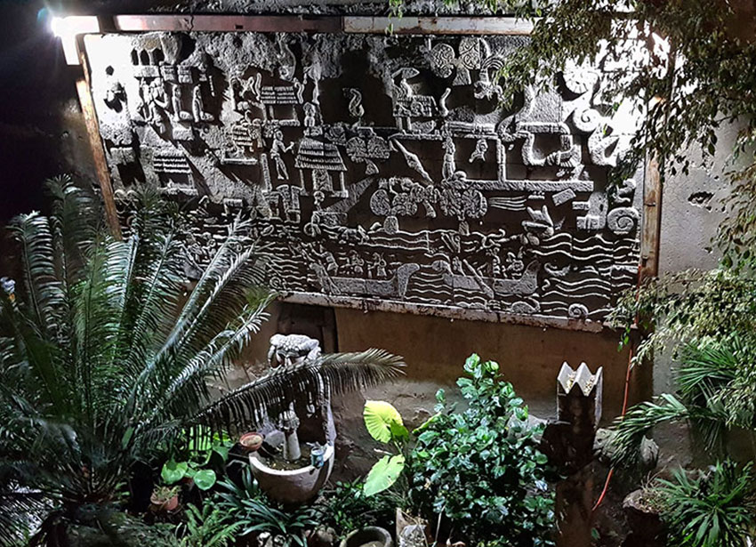 12—–sm-Patio-w-bas-relief