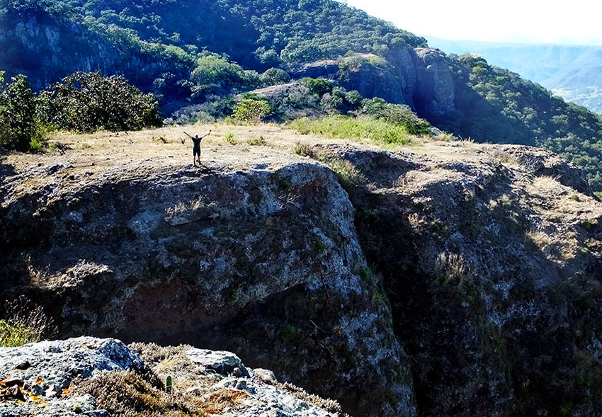 9—–sm-DSCF2930-cliff-to-climb