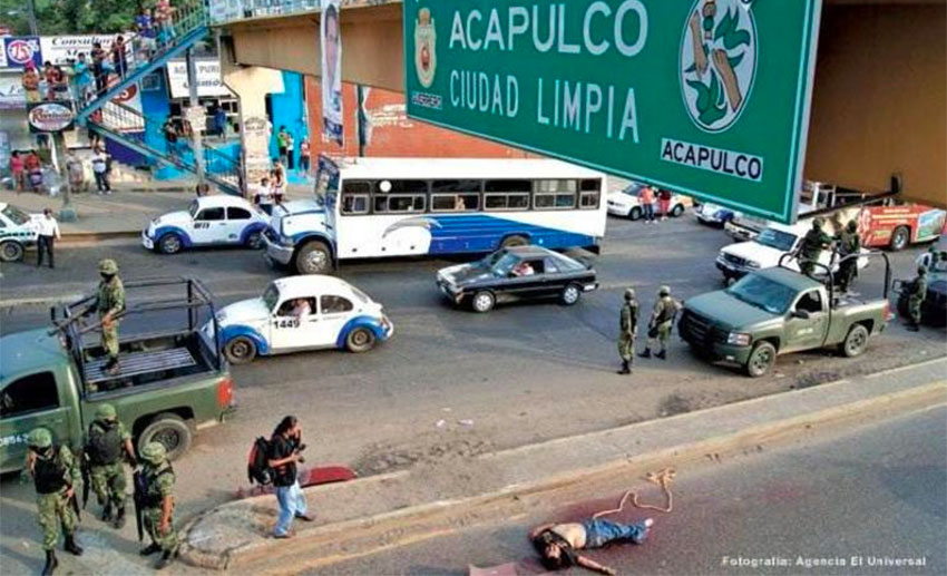 A murder scene in Acapulco: people are numb to it.