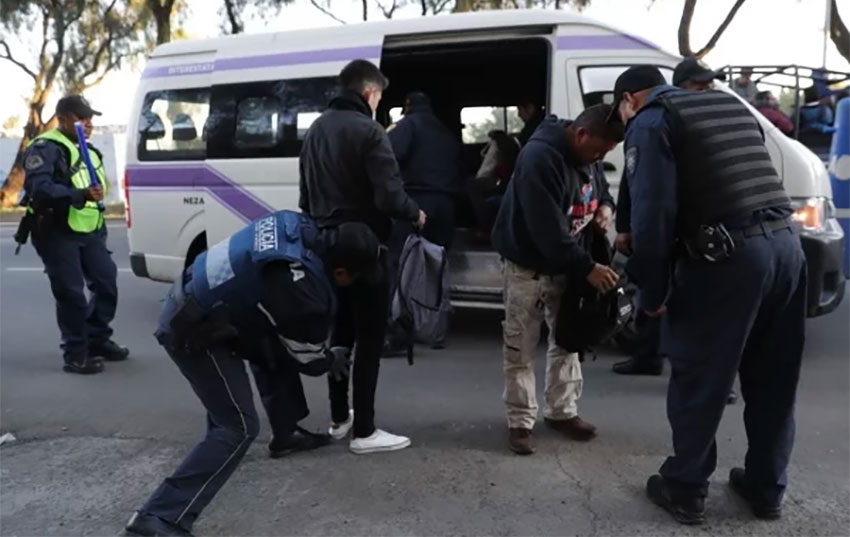 Police arrest criminal suspects in Mexico City.