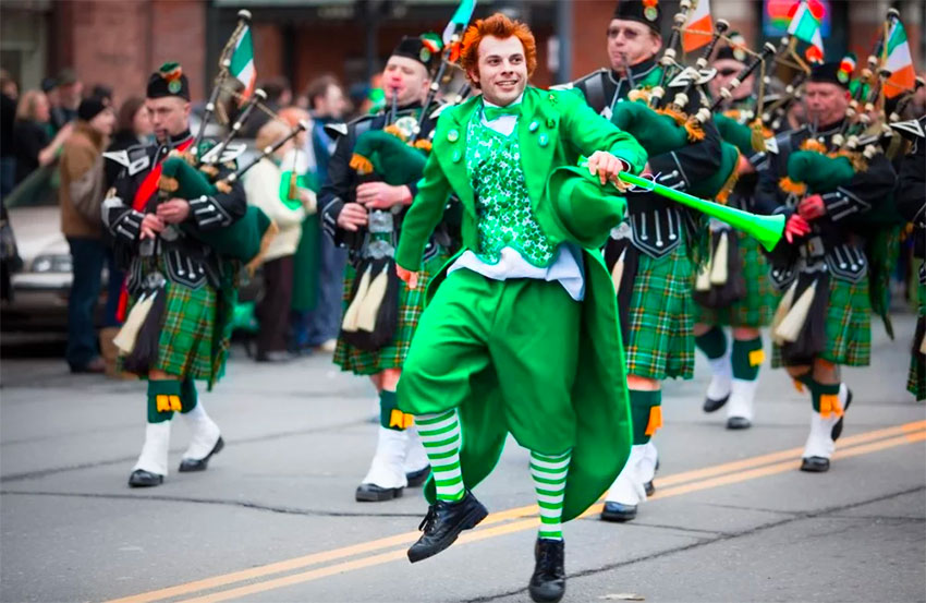 A previous edition of Mexico City's St. Patrick's Day parade.
