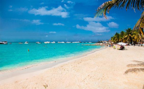 Popular Playa Norte, Isla Mujeres.