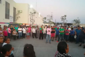 Citizens protest admission of Covid-19 patients at a Morelos hospital.