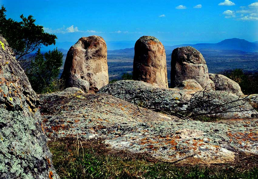 It is claimed the monoliths of Las Águilas were once used as an astronomical observatory.