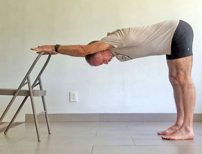 Exercise 3: Fully extend your arms and trunk parallel to the floor