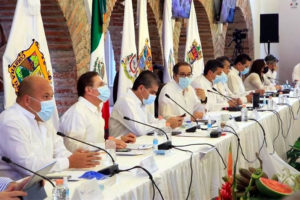 Seven governors met Friday in Colima, where they rejected the federal stoplight system.